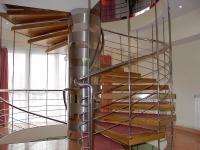 Scara spirala cu trepte lemn